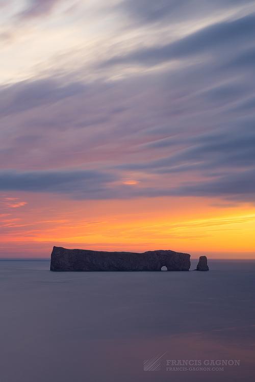 Le Rocher Percé au lever du soleil.